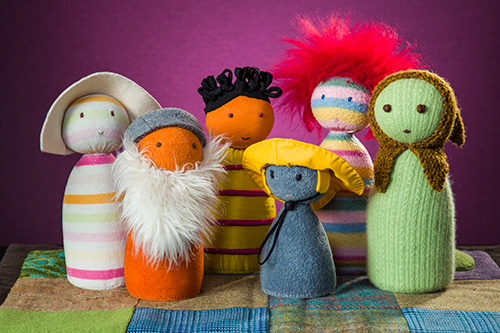 Puppets with woollen bodies and other tactile features